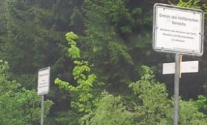 20150522 Elmau Schild militärischer Sperrbereich / (C) CS